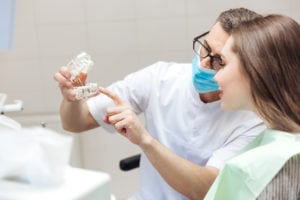 How Does A Dentist Fix A Chipped Tooth?